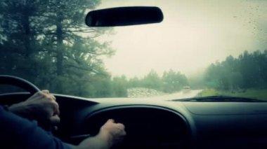Man driving in rain — Stock Video