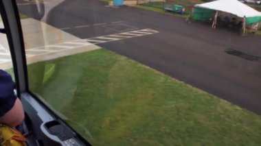 Helicopter takes off from the helipad. — Stock Video