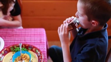 Makaroner middag för thanksgiving — Stockvideo