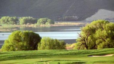 A beautiful golf fairway — Stock Video