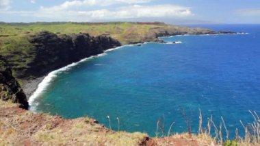 Ocean cove on the island — Stok video