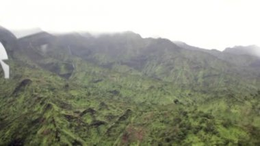 Mountainous jungles of Kauai — Stock Video