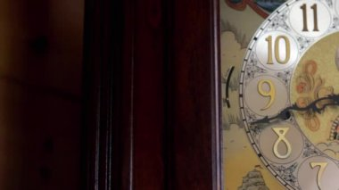 Old grandfather clock — Stock Video