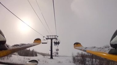 Skiers at park city — Wideo stockowe