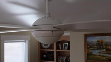 Ceiling fan rotating — Stock Video