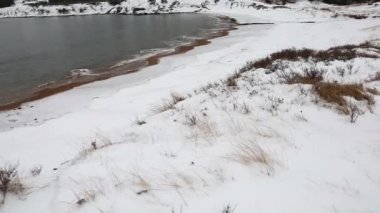 Beach covered in snow — Vidéo
