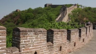 Tourists on the Great wall of China — Stock Video
