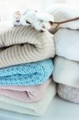 Теплый вязаный свитер с натуральным хлопком — Стоковое фото