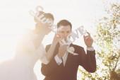 Happy couple on their wedding day — Stock Photo