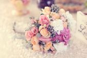 Beautiful wedding bouquet with roses and hydrangea — Stock Photo