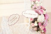 Beautiful wedding flowers with qoutes about Love — 图库照片