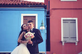 Bride and groom in Venice — Stock Photo