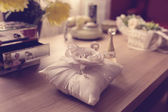 Wedding rings on pillow — Stock Photo
