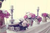 Wedding decor with flowers — Stock Photo