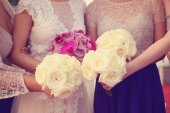 Bride and bridesmaid's wedding bouquet — Stock Photo