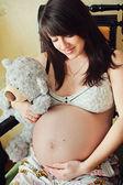 Beautiful pregnant woman — Stock Photo