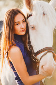 Beautiful girl with horse — Stock Photo