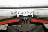 "Sheet of paper with the inscription ""Don't lose hope!"" — Stock Photo"