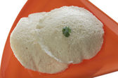 South indian fast food idli with Sambar and coconut chutney. — Stock Photo