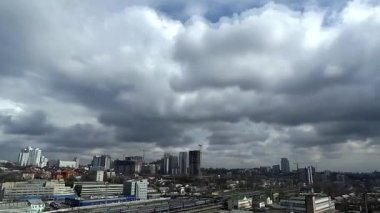 Clouds over city at sunny day  time lapse — Stock Video