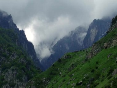 Kurtat mountain gorges — Stock Video