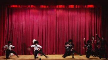 "Address children's dance ensemble ""Iveria"" the city of Sochi on the concert — Stock Video"