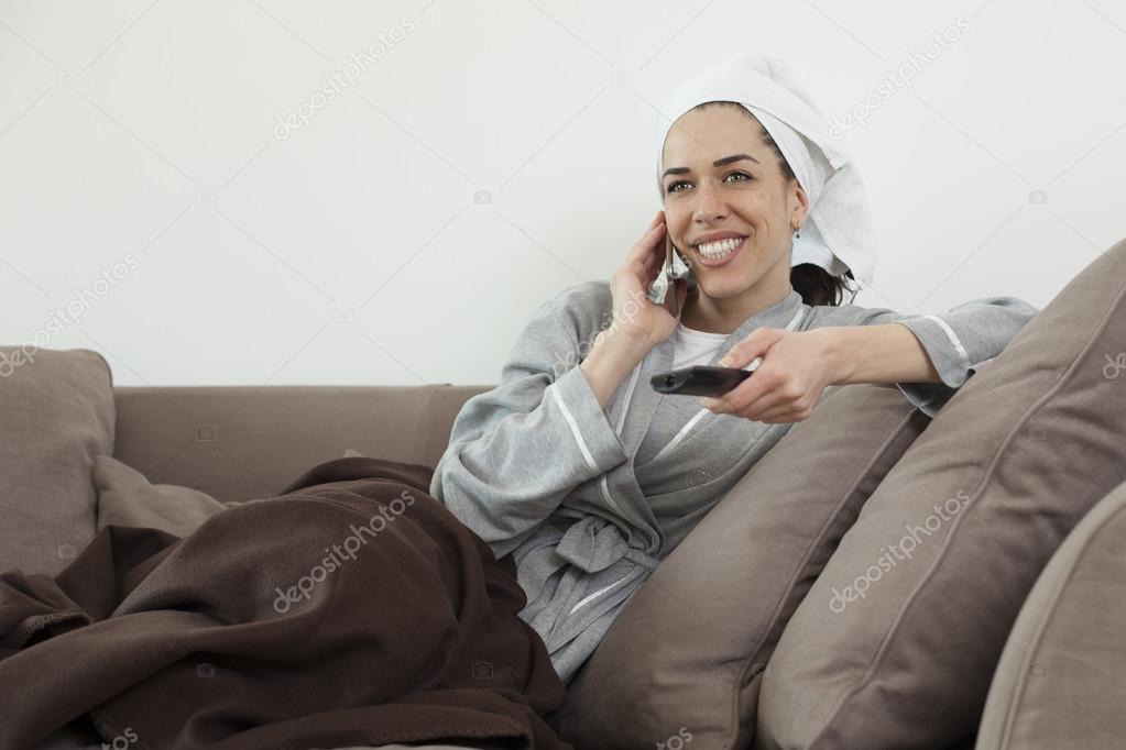 женщины в халате смотреть