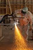 Metal cutting with plasma torch — Stock Photo