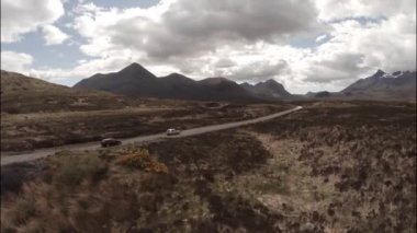 Dramatic aerial shot of the Cuillin mountain range on Skye — Stock Video