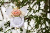 The angel on the Christmas tree — Stockfoto
