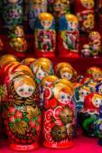 The Russians colorful wooden matryoshka dolls — Fotografia Stock