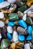 不同品种的天然彩色的宝石 — 图库照片