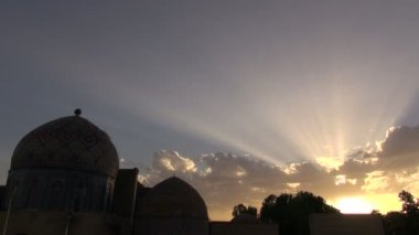 Shah i Zinda mausoleum in Samarkand. — Stock Video
