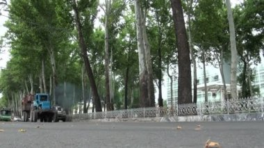 Traffic in the streets of Dushanbe — Wideo stockowe