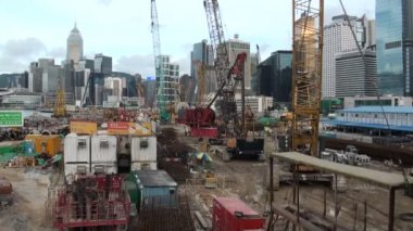 Construction site with the skyline of Hong Kong — Stock Video