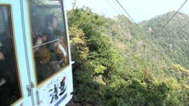 A cable car transports tourists — Stock Video