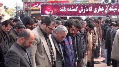 Muslim men taking part in praying session — Stock Video