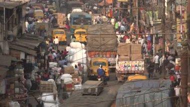 Traffic in busy bazaar — Stock Video