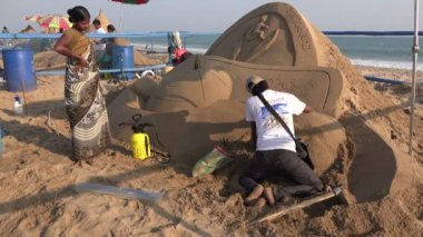 Artists take part in a sand festival — Stock Video
