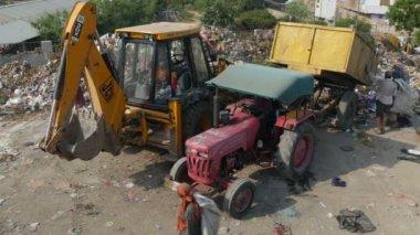 Garbage dump in India — Stock Video