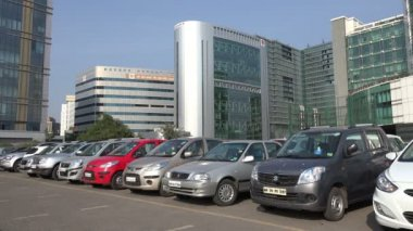 Parking lot at the Bandra Kurla complex — Stock Video