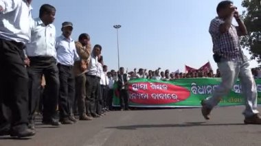 Teachers protest against low wages — Stockvideo
