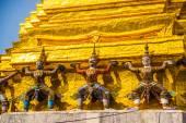 Giant Buddha.Wat pra kaew, Grand palace bangkok, THAILLAND — Stock Photo
