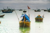A lot of boats on the sea, fishing in fish village, mui ne, vietnam — Stock Photo