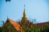 The temple with gold in the capital of Laos, Vientiane. — Stock Photo