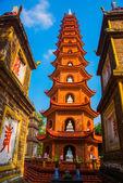 Tran Quoc Pagoda - Hanoi, Vietnam.it is a famous tourist destination in hanoi, vietnam — Stock Photo