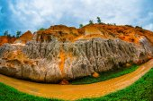 Flux de la fée, Suoi Tien, Mui Ne, Vietnam. Une des attractions touristiques en Mui Ne.Beautiful montagnes et l'eau — Photo