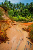 Fairy Stream,Suoi Tien, Mui Ne, Vietnam. One of the tourist attractions in Mui Ne.Beautiful mountains and water — Stock Photo