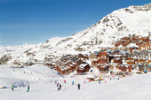 View of the Val Thorens ski resort of Three Valleys , France — Stock Photo