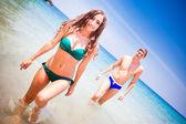 浜のカップル — ストック写真